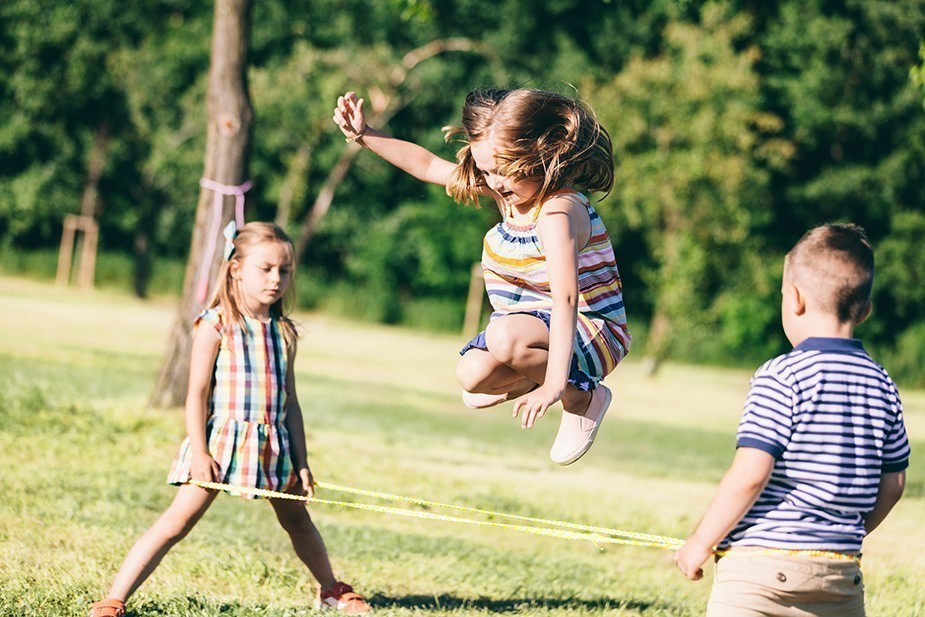 Deca koja se više igraju napolju bolje vide - Bol